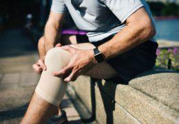 Guzek pod kolanem – co to może być ?